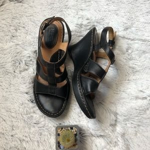 Born slingback black strappy wedge sandals sz 7